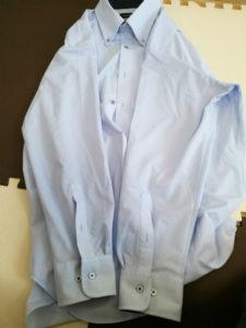 ノーアイロンシャツのたたみ方1